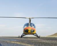 Спасение вертолета, вертолет на взлётно-посадочная дорожка Стоковая Фотография RF