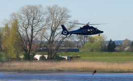 Спасение вертолета человек Стоковое Изображение