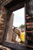 Спать Будда и рамка от окна Стоковая Фотография