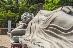 Спать Будда на длинной пагоде сына в Nha Trang Стоковые Фотографии RF