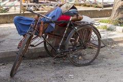 Спать в рикше Стоковое Фото