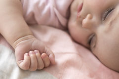 спать портрета младенца Стоковые Изображения