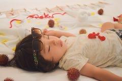 Спать счастливый младенец дня рождения Стоковые Фото