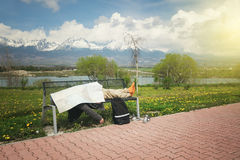 спать человека стенда Стоковое Фото