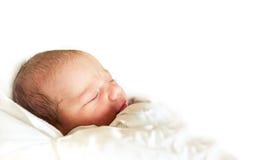 Спать newborn младенец в больнице Стоковое Изображение RF