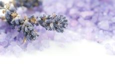 спа соли лаванды стоковая фотография
