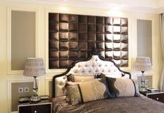 Спальня и шкаф в комнате образца квартиры Стоковая Фотография RF