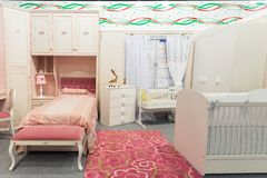 Спальня младенца в пастельных цветах Стоковое Изображение