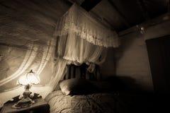 Спальня старого стиля Стоковая Фотография