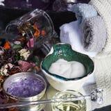 спа gerber состава шара плавая облицовывает полотенца увлажнители, соли для принятия ванны и масло для тела с Стоковое Изображение