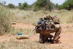 Специалист обезвреживания неразорвавшихся бомб великобританской армии Стоковое фото RF