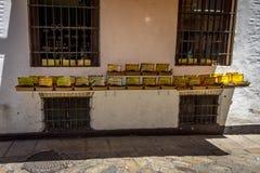 Специи и пищеварительные пилюльки на дисплее в Севилье, Испании, Европе Стоковая Фотография RF
