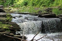 Спеша водопад Стоковые Изображения