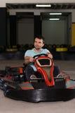 Спеша гонка Karting барьеров Kart и безопасности Стоковая Фотография
