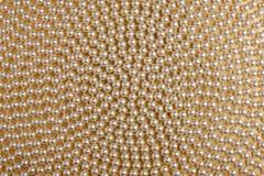 Спираль белых шариков стоковая фотография