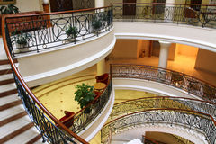 Спиральные лестницы в дворце Стоковые Изображения RF