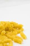 Спиральные сырцовые макаронные изделия макарон Стоковое фото RF