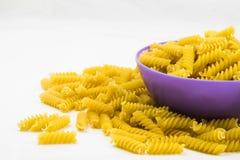 Спиральные сырцовые макаронные изделия макарон Стоковые Изображения RF