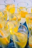 Спиртной аперитив выпивает готовое для годовщины свадьбы Стоковое Фото
