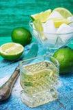 Спиртной коктеиль с добавлениями известки Стоковые Изображения RF