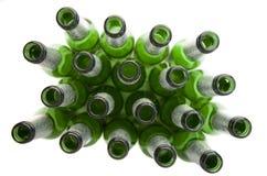 спиртные пить бутылок пива опорожняют Стоковая Фотография