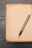 Список на старой бумаге Стоковые Фотографии RF