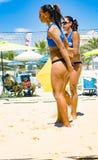 Спичка команды волейбола пляжа Стоковая Фотография RF
