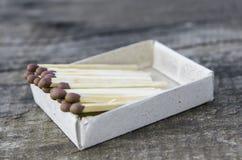 Спички, деревянные спички, упакованы в matchboxes Стоковые Фотографии RF