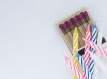 Спички и свечи для вечеринки по случаю дня рождения Стоковая Фотография