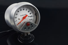Спидометр в автомобиле для измерения скорость Стоковая Фотография