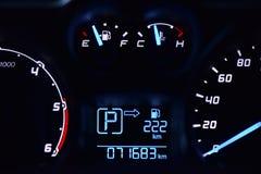 Спидометр в автомобиле Стоковые Фото