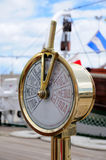 Спидометр на палубе старого корабля стоковая фотография rf