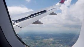 Спойлеры аэроплана в деятельности пока подготавливающ для приземляться сток-видео