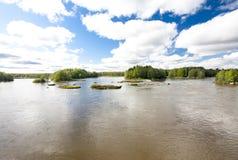 Спокойное и красивое река Kymijoki в Финляндии Стоковое Изображение