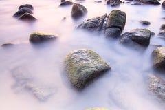 Спокойное море на камне Стоковое фото RF