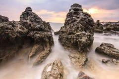 Спокойное море на утесе Стоковые Фото