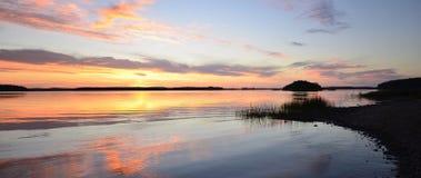 Спокойное отражение озера Стоковое Фото