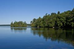 Спокойное утро на озере Стоковое Изображение