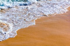 Спокойные волны в пляже стоковая фотография rf