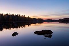 Спокойный взгляд спокойного озера Стоковые Изображения RF