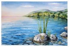 Спокойный ландшафт вечера с озером и горами Стоковое фото RF