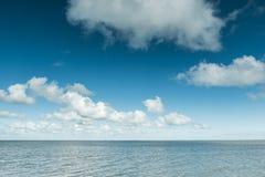 Спокойный океан на побережье Северного моря, Германия Стоковые Изображения