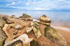 Спокойный пейзаж Балтийского моря на зимнем времени Стоковые Изображения RF