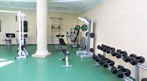 Спортзал фитнес-клуба стоковое изображение