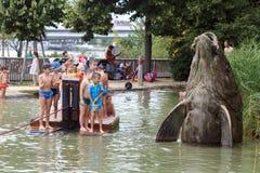 Спортивная площадка воды для детей Остров Дуная, вена, Австрия Стоковое Изображение RF