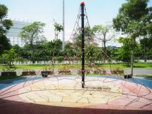 Спортивная площадка в саде, игрушки в саде, забавляется для детей, Стоковые Изображения RF