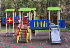 Спортивная площадка детей в дворе Стоковая Фотография RF