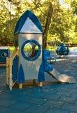 Спортивная площадка детей в дворе Стоковые Изображения RF