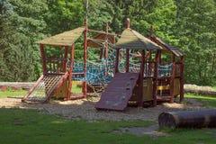 спортивная площадка парка детей самомоднейшая Стоковые Фотографии RF