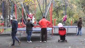 Спортивная площадка для детей видеоматериал